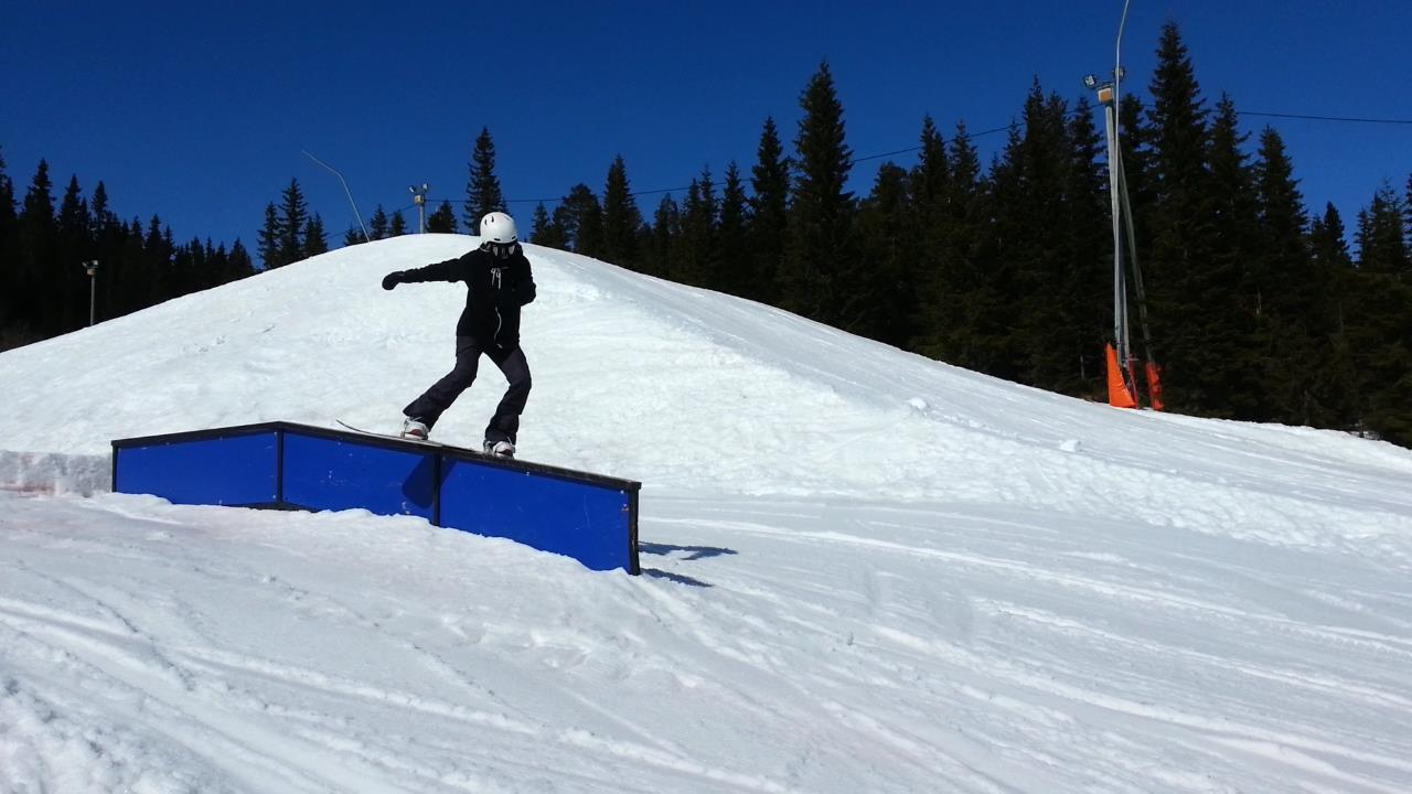 vilde amundsen norwegian snowboarder girl elevated clothing norway